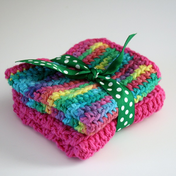 How to Single Crochet + Great Gifts for Beginners!