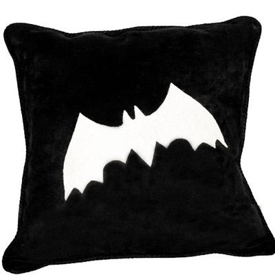 No Sew Bat Pillow The D.I.Y. Dreamer