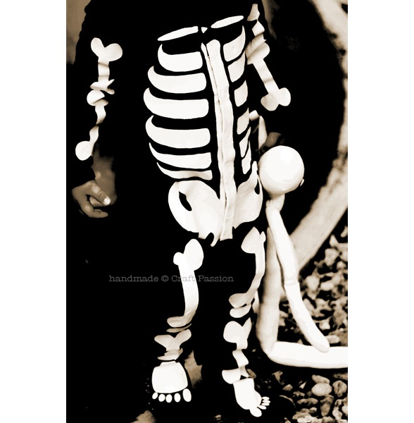 How To Make a Quick Halloween Skeleton Costume