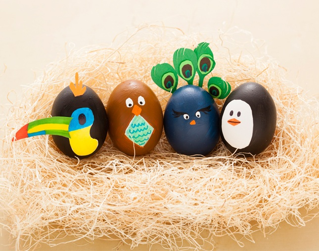 Another Eggstremely Easy Way to Decorate Easter Eggs