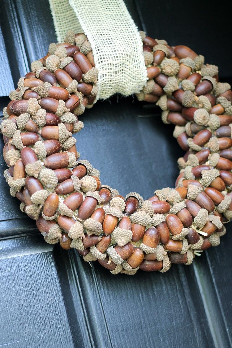 DIY Fall Wreath Acorns and Burlap Tutorial