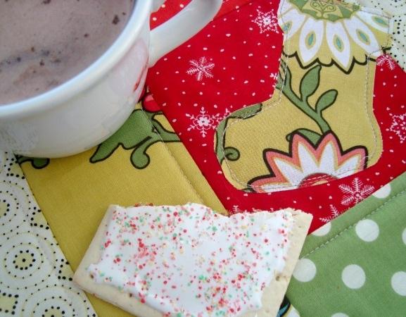 DIY Holiday Mug Rugs