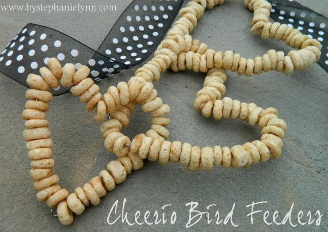 Use Cheerios to Make a Cool Hanging Bird Feeder