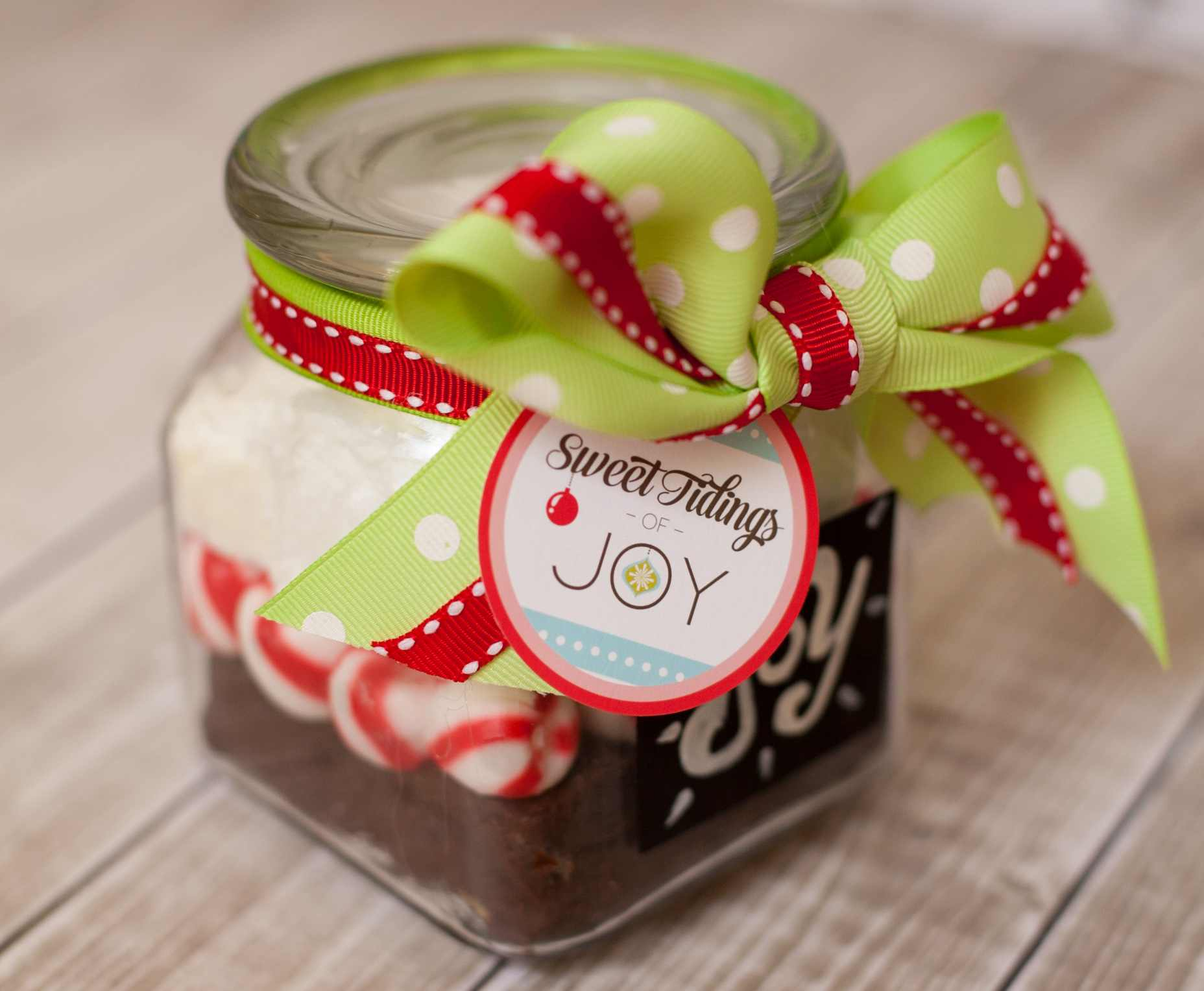 Handmade Holiday Chalkboard Jar and Sweet Tidings