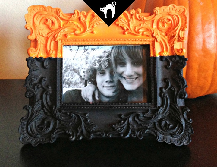 Halloween Dip Dyed Frame Tutorial